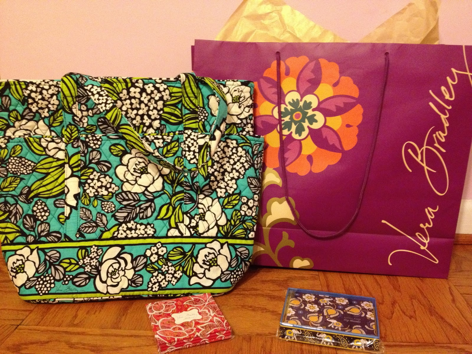 e5a0c867c7 As I mentioned yesterday I made it to the Vera Bradley store last week to go  check out the new colors for Spring 2012. I picked up a few things while I  was ...