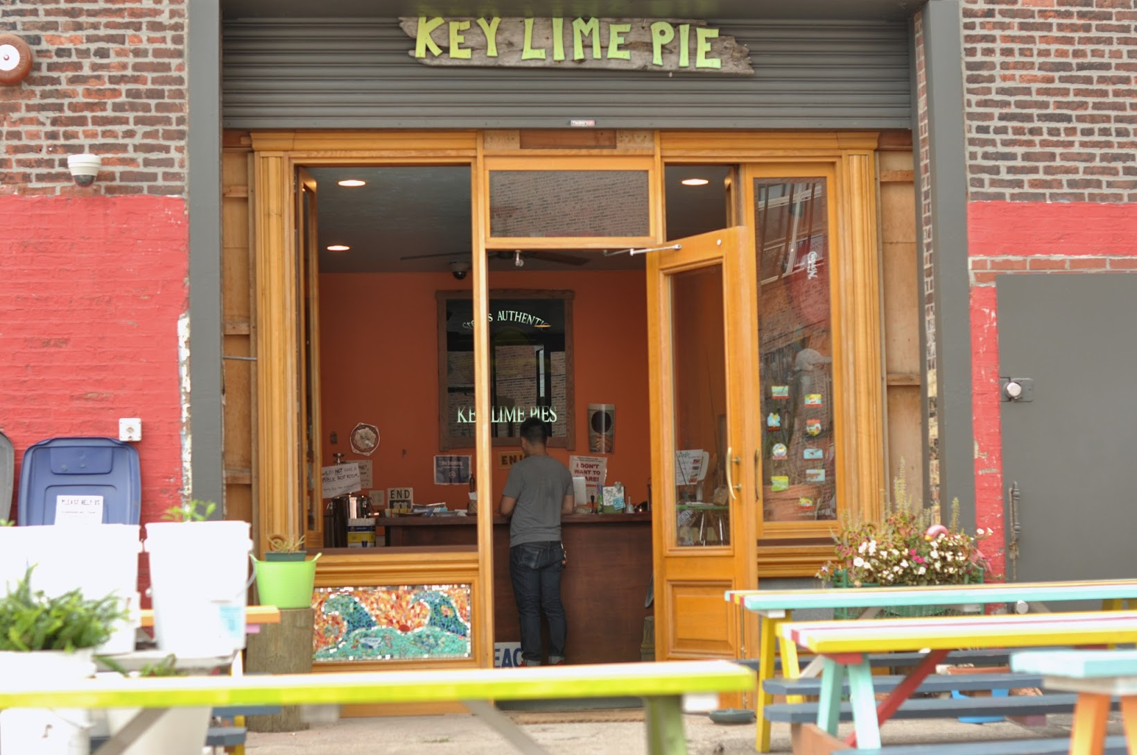 redhook_steve's_authenthic_key_lime_pie_store_front