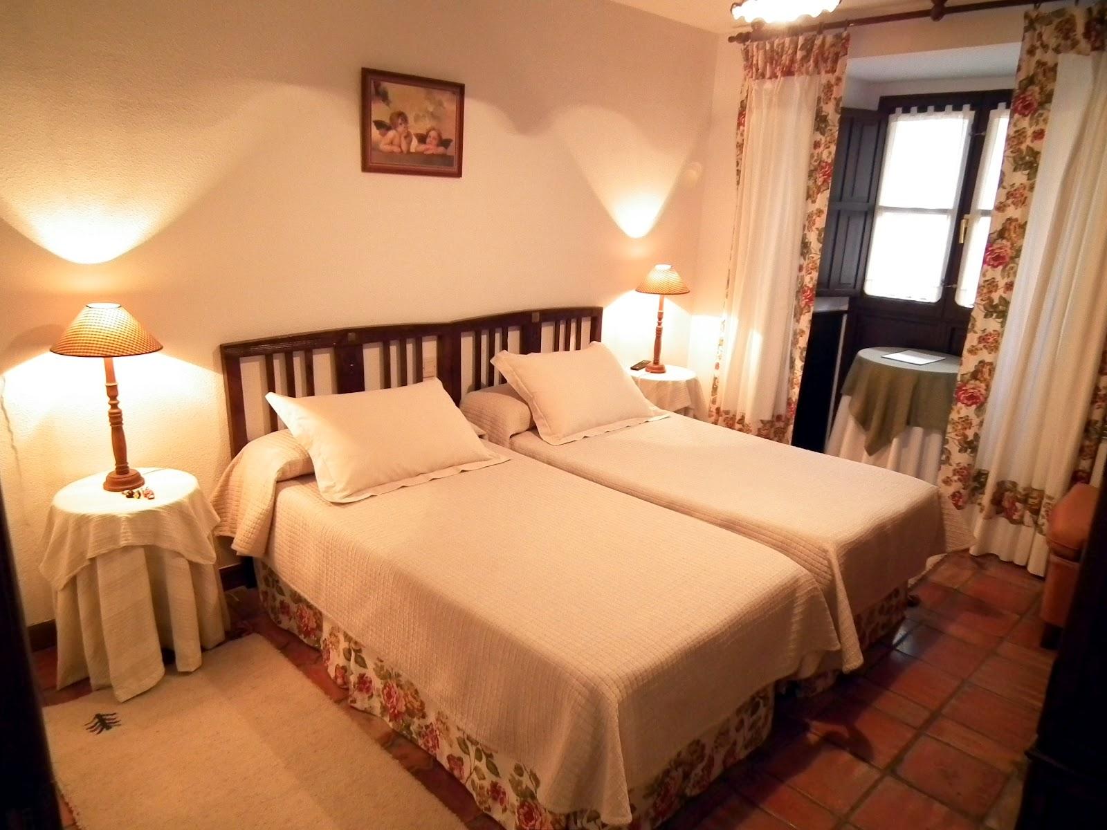 Posada de mu o habitaciones - Habitacion pequena dos camas ...