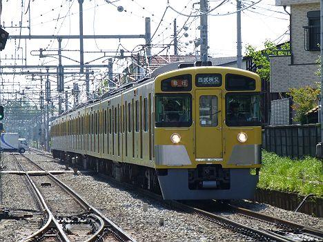 西武池袋線 急行 西武秩父行き 新2000系(芝桜臨)