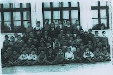 José Joya Villegas con sus alumnos año 1960