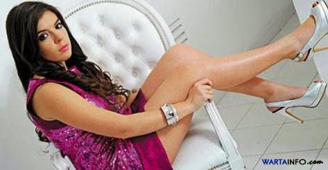 Foto Hot sexy Dalm Nerea Putri Diego Maradona - Wartainfo.com