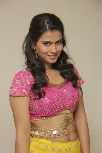Actress Sharmila Mandre Navel Show Photos