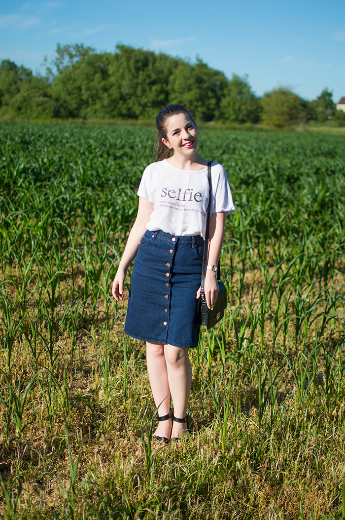 how to wear denim midi skirt