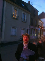 Hubert Haye devant sa maison d'enfance. Photo Philippe Caillol