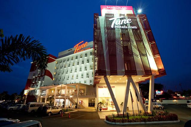 travel, tune hotels, johor, johr bahru, Asia's Got Talent, singapore, Marina Bay Sands, foodie trail, restaurant chua kee, selera senibong seafood, airasia, kuso 3d, legoland