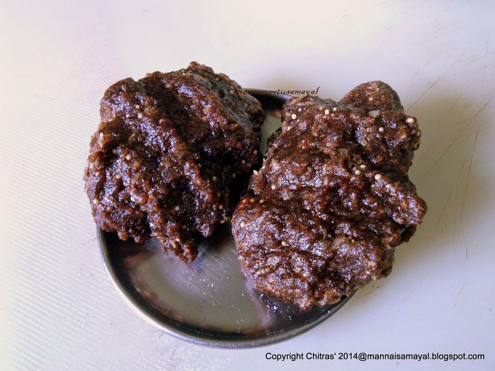 Kezhvaragu Inippu Pidi Kozhukattai [ Ragi Sweet dumpling ]
