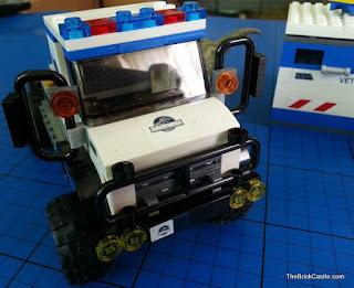Jurassic World LEGO mobile vet unit front view
