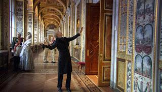 Steadicam siguiendo al Marquis de Custine en Russian Ark (2002)
