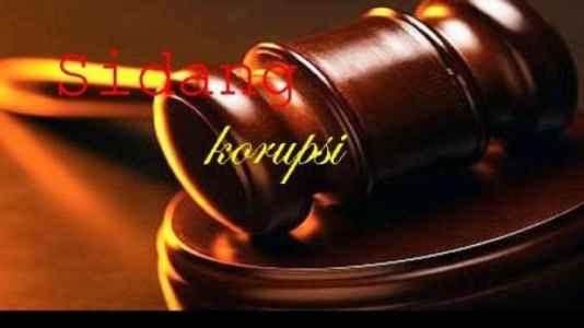 Mantan Kepala Dinas Pendidikan, Pemuda dan Olahraga Kota Tual, Syamsudin Nuhuyanan dijatuhi hukuman penjara selama dua tahun oleh majelis hakim Tipikor pada Kantor Pengadilan Negeri Ambon