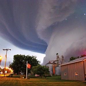 Gambar Tornado Awan Foto Fenomena Alam Angin Topan Dahsyat