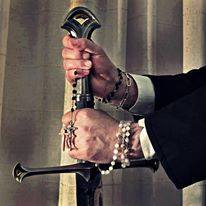 A Bênção como Espada, A Espada como Benção!