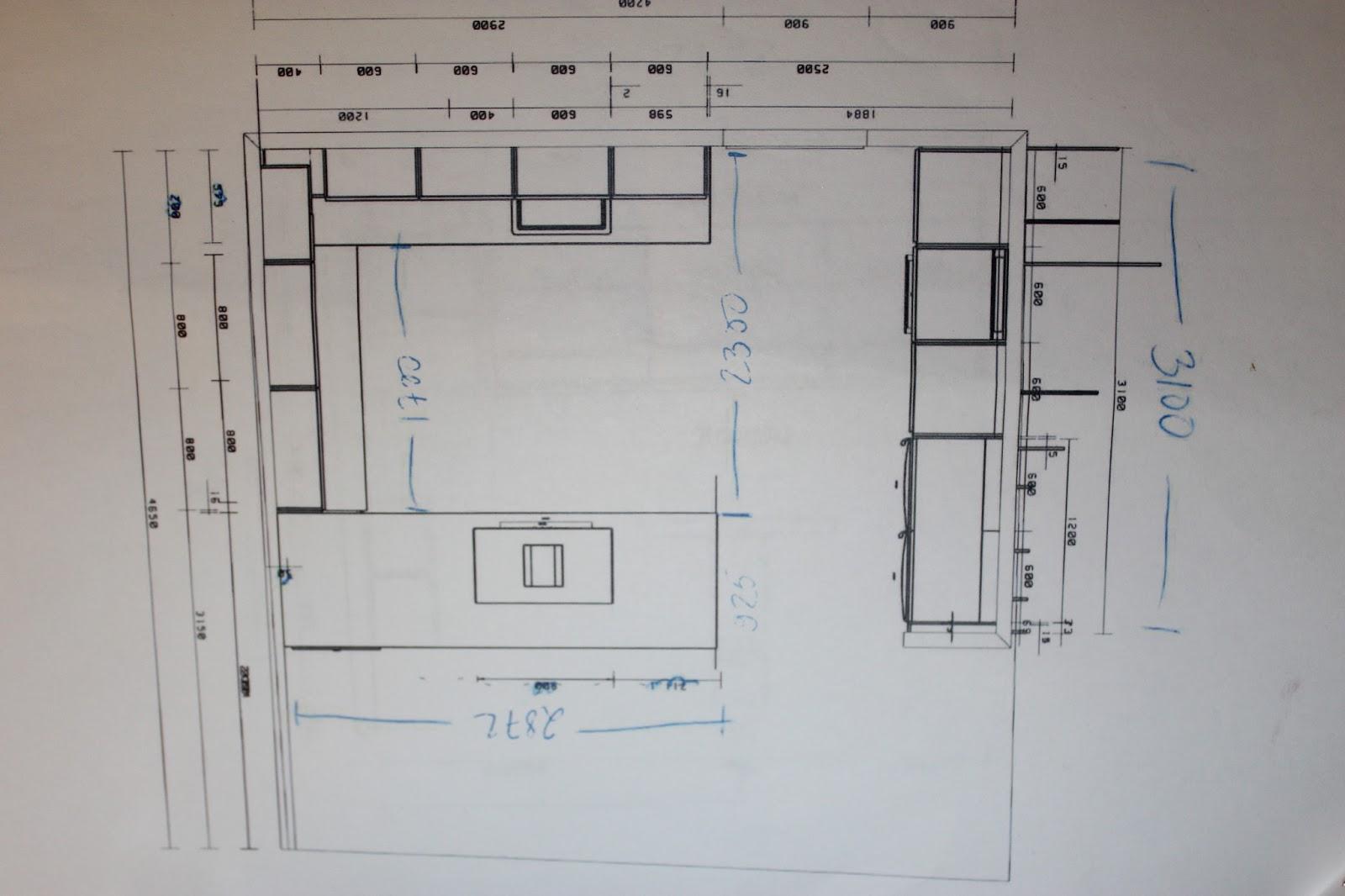 Projektina kivitalo Keittiön ylimääräinen ikkuna