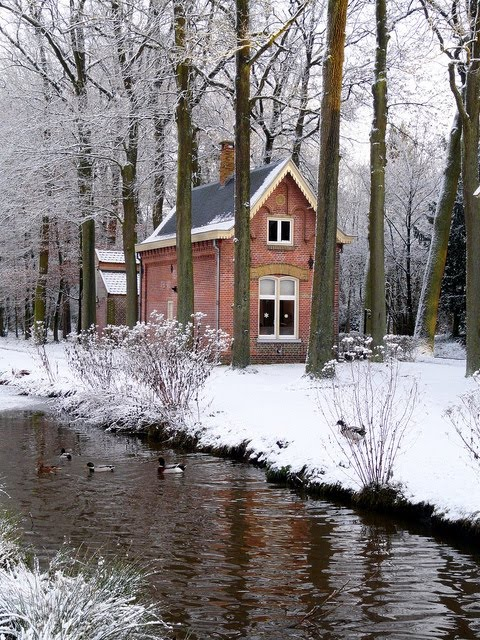 Brick cottage with stream and snow content in a cottage for Brick cabin
