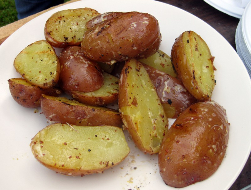 She Manufactures: Grilled Potatoes with Creamy Lemon Dressing