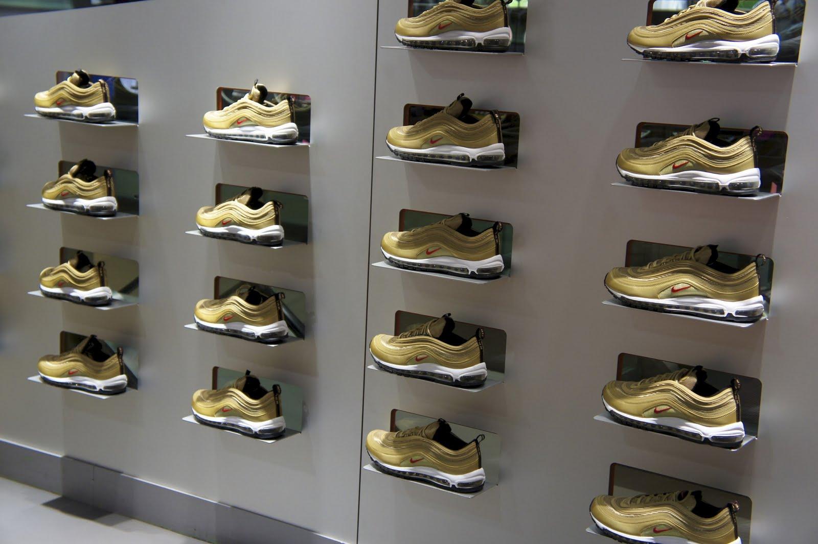 2011 Air Max Gold