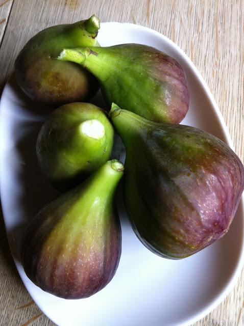 Fresh gardens figs
