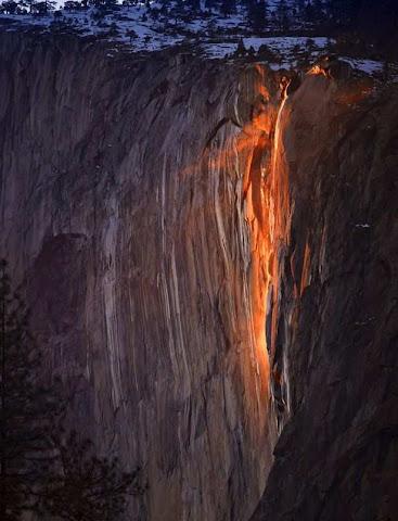 Fenomena Air Terjun Seperti Lahar Vulkanik