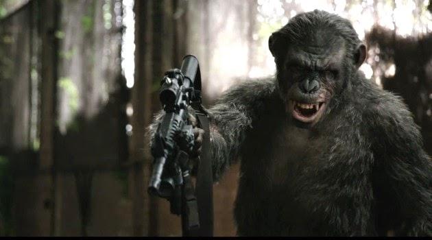 Macaco brincando com uma metralhadora, Planeta dos Macacos: O Confronto