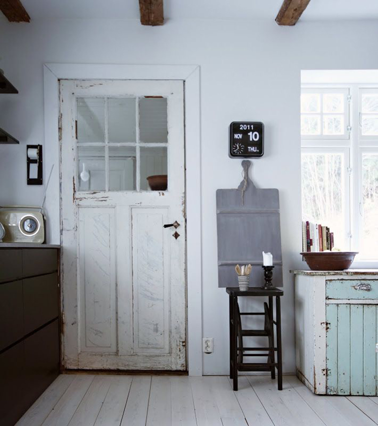 Country kitchen, shabby chic, reclaimed wood, white decor