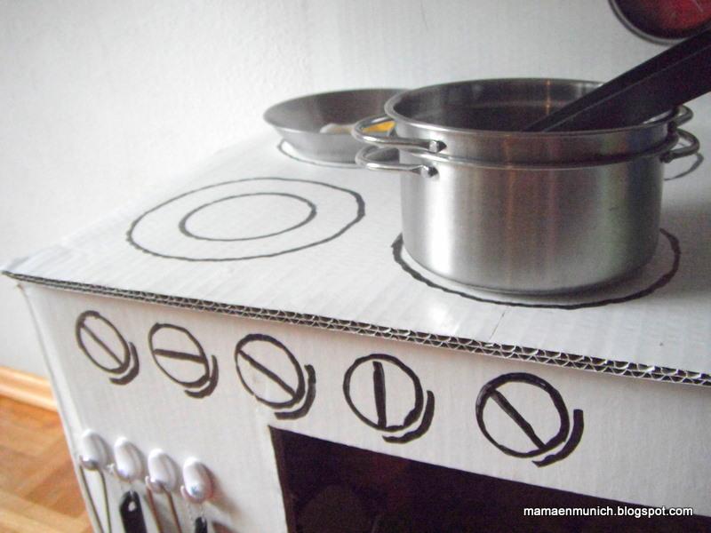 Ideas recicladas juguetes de cart n for Cocina de carton