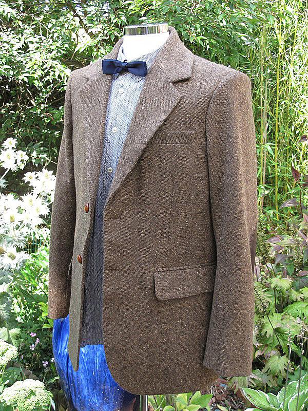 Making my 11th doctor costume the tweed jacket for Paul smith doctor who shirt