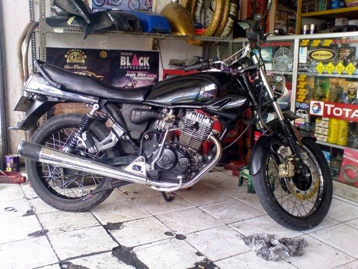 foto modifikasi motor gl pro hitam