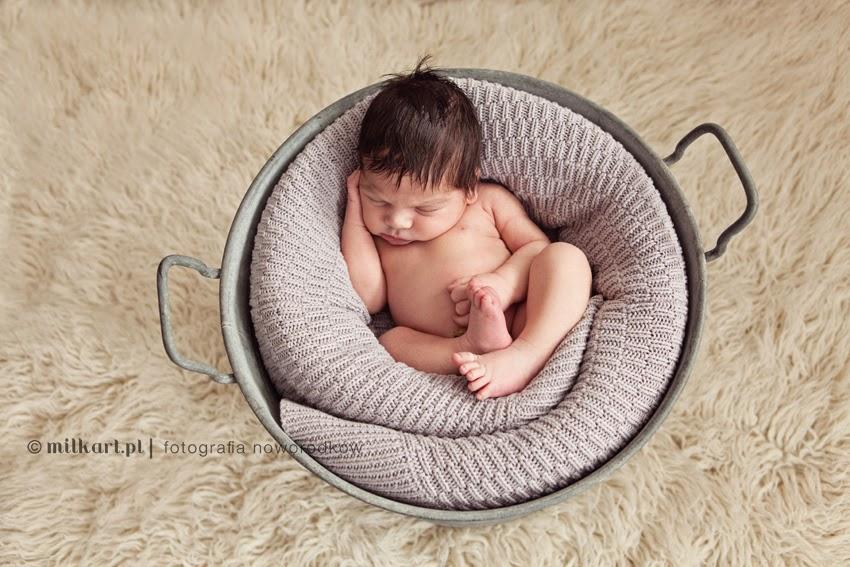 fotografia noworodkowa, sesje zdjęciowe dzieci, fotograf niemowlęcy, sesja foto dla dziecka, studio milkart