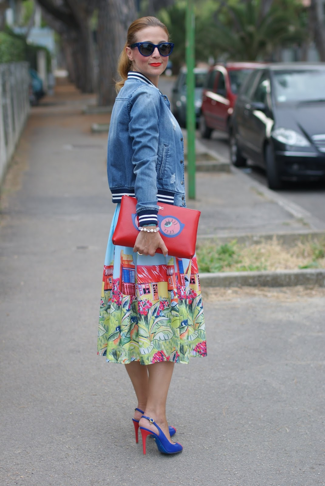 SimonaB Bijoux, Zaful midi skirt and Jack y Celine clutch on Fashion and Cookies fashion blog
