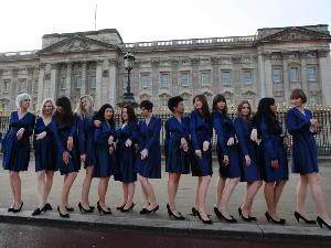 Gaun Kate Middleton Menjadi Trend Fashio Dunia, para pemakai duplikat gaun kate middleton, kate middleton, tunangan pangeran william