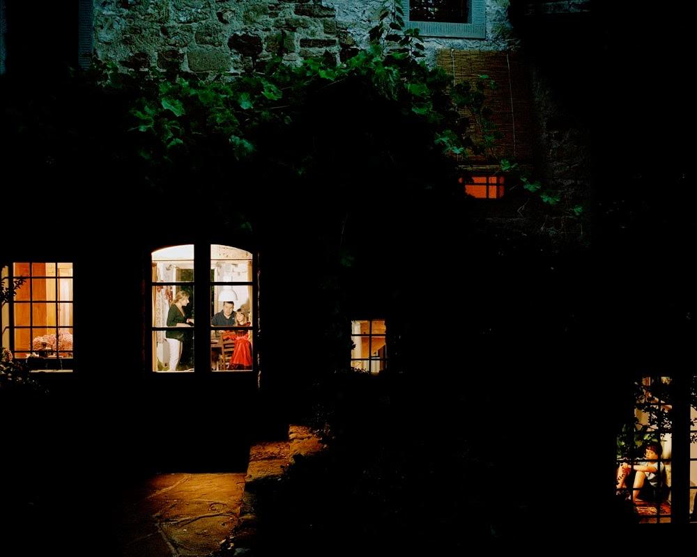 nuncalosabre.Through the Window - Giorgio Barrera