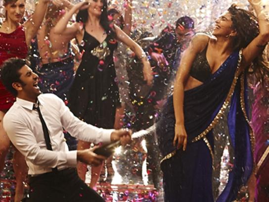 http://2.bp.blogspot.com/-MXyXmfM6o9A/UYzlgeN2X1I/AAAAAAAAKTM/_E7AQaiEPOA/s1600/yeh-jawaani-hai-deewani+-hindi-movie-photo.jpg