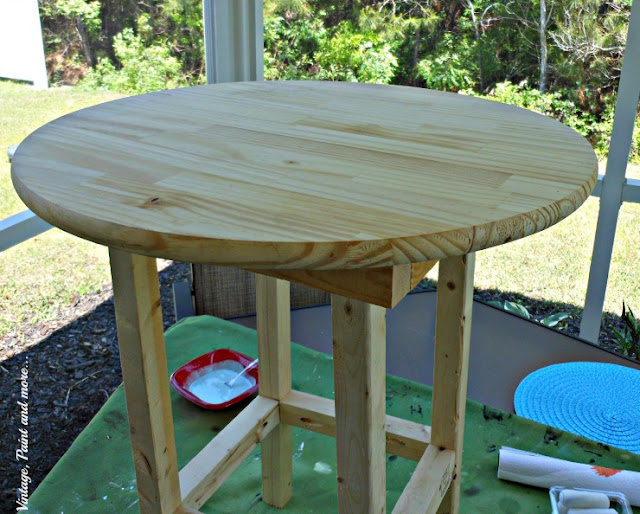 Vintage, Paint and more... DIY rustic wood patio table