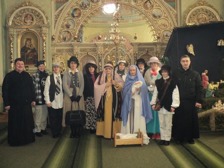 На світлині сестри ЧСВВ зі Львова після виступу вертепу у їхньому виконанні