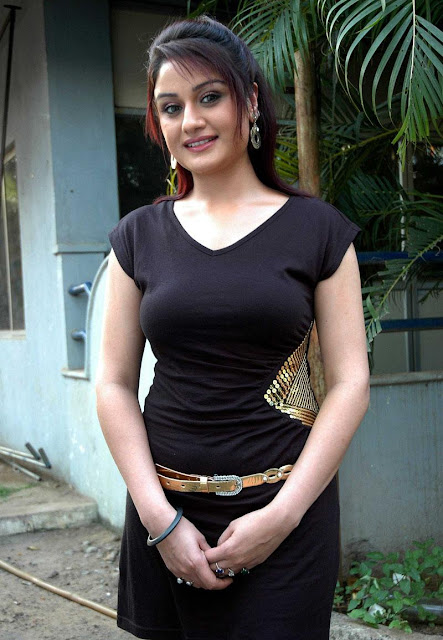 Sonia Agarwal Hot Stills , Sonia Agarwal Hot Pics , Sonia Agarwal Hot Photos