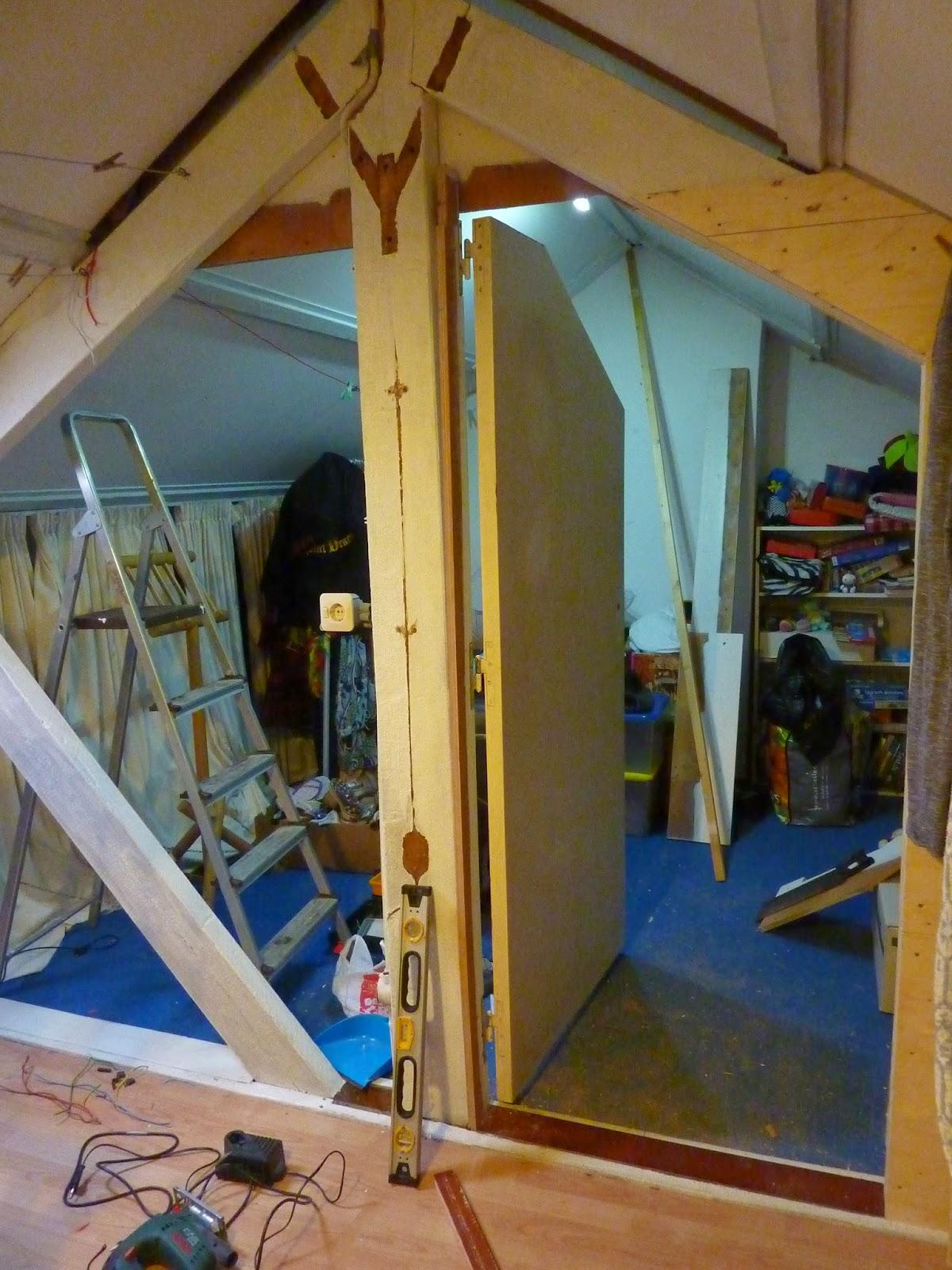 Geld is tijd zolderwand deel 2 - Furbishing een kamer op de zolder ...
