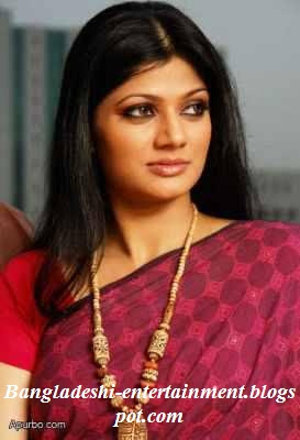 Model Farah Sharmin