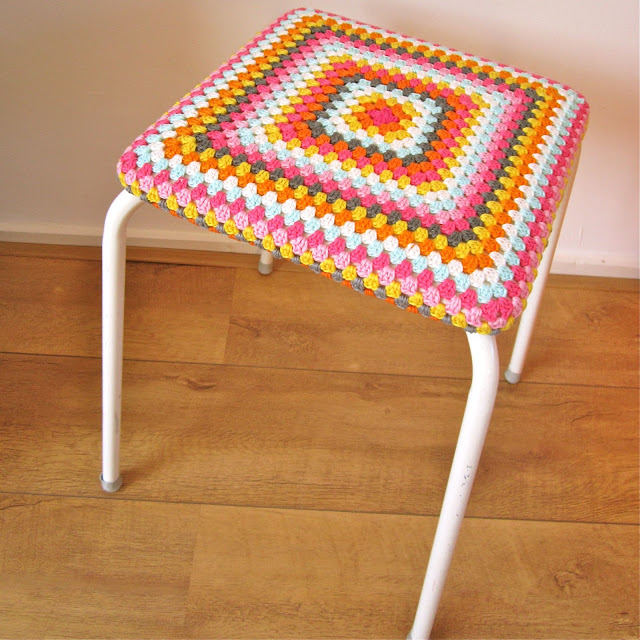 Color N Cream Crochet And Dream Color Bomb Stool