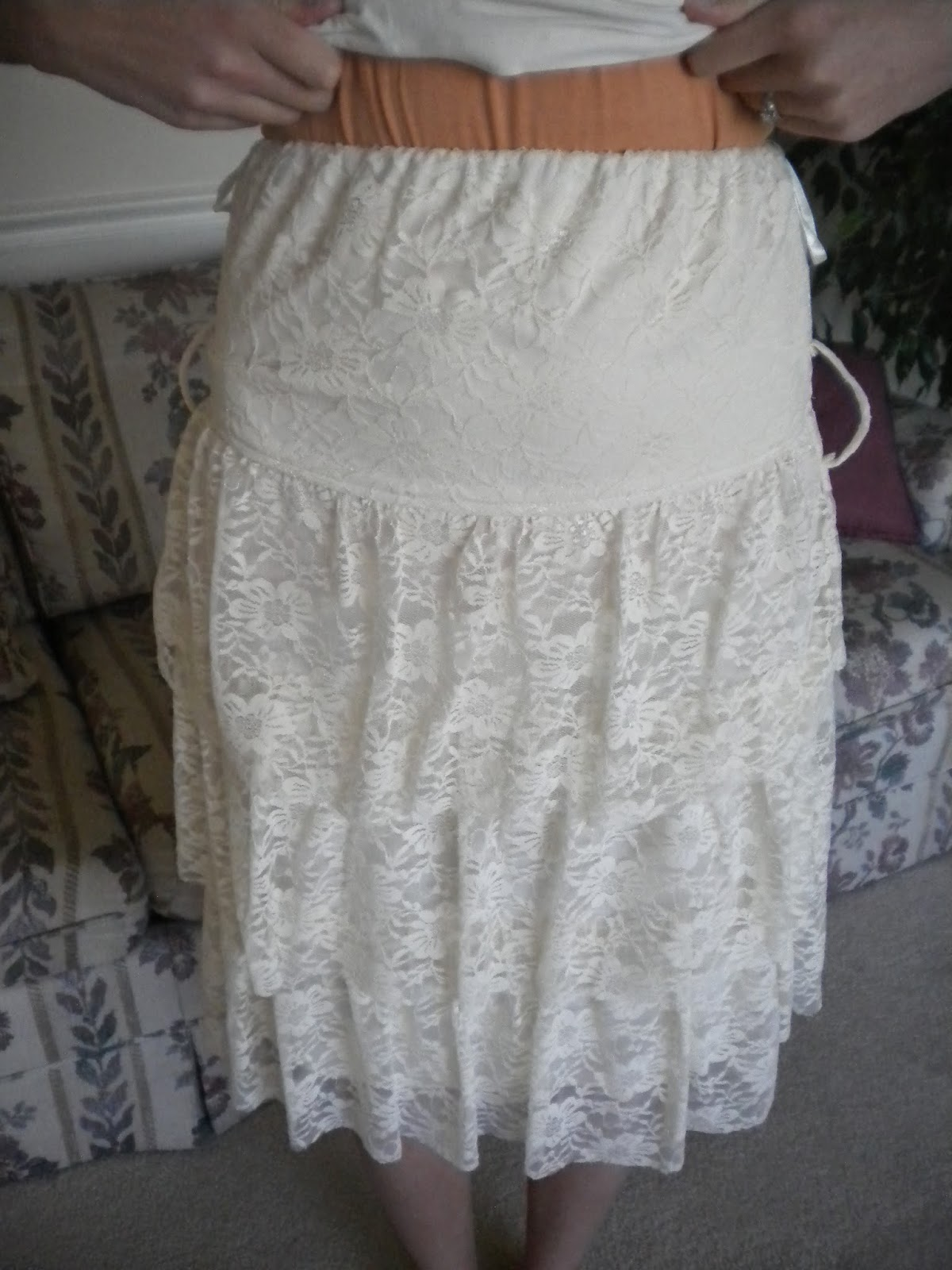 The dress how to see it both ways - It Can Be Worn Tucked Down Or Kept Up Both Ways Are Comfortable And As You Can See From The Picture Below It Works Great As A Skirt