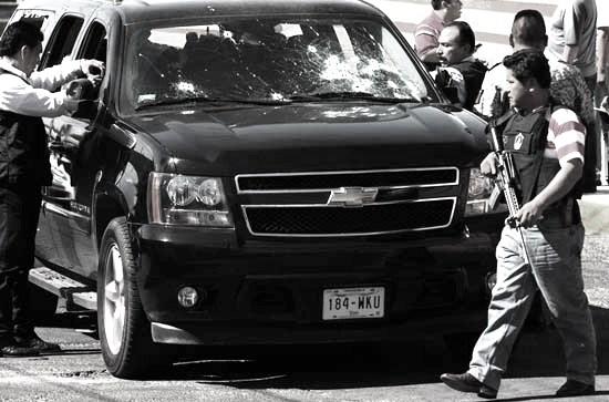 Enfrentamiento violento sicarios y policiacos