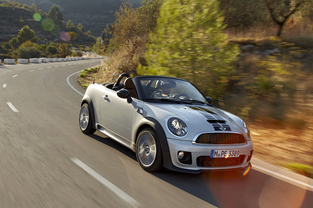 The MINI Roadster - race car feeling meets top-down driving excitement
