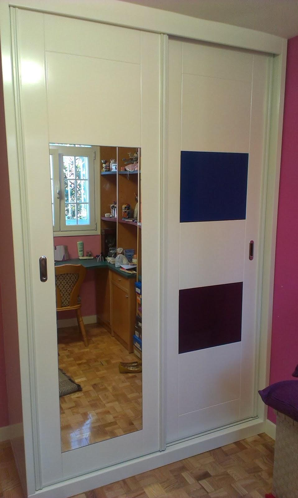 Muebles a medida armario lacado en blanco con espejo y - Cristales y espejos ...