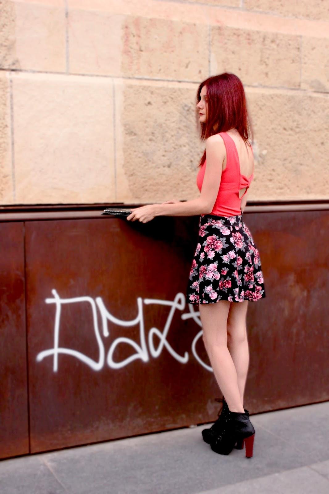 falda-skater-floral-coral-h&m-verano