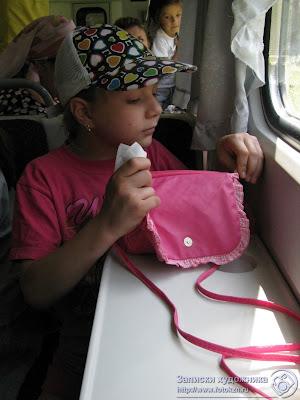 Казанская детская железная дорога, за столиком в вагоне