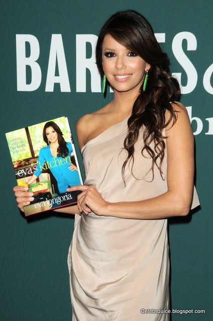 Eva Longoria - Barnes & Nobles in Los Angeles-4