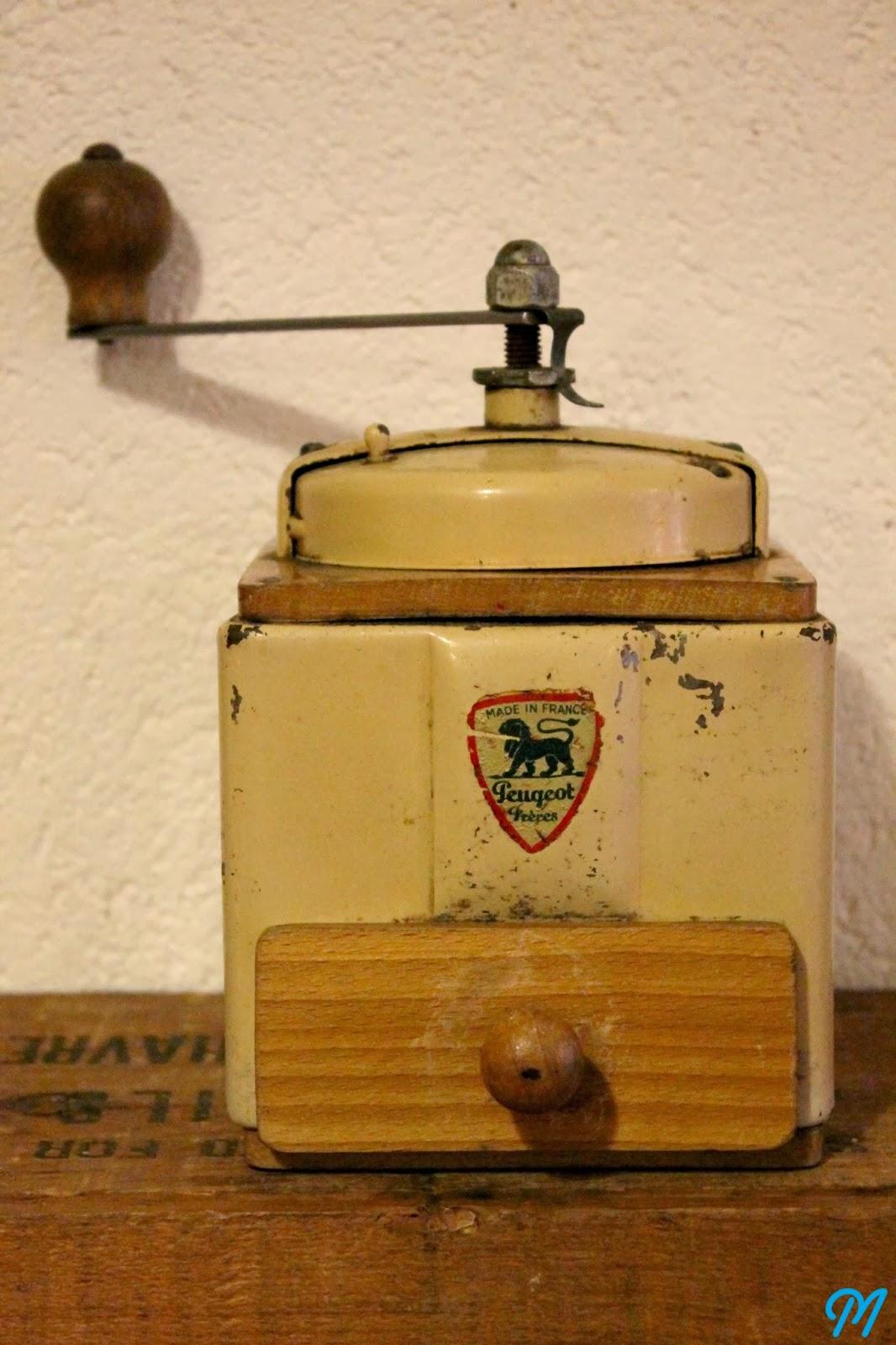 Un Moulin A Caf Ef Bf Bd Vintage