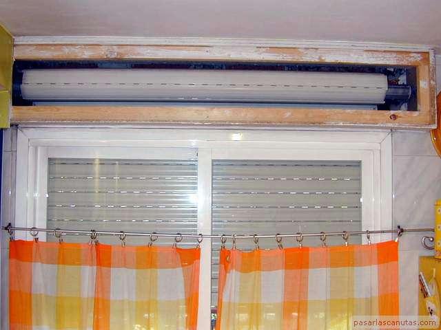 Reparaciones caseras cambiar correa o cinta a persiana manual - Colocar cinta persiana ...