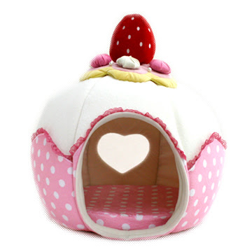 Strawberry Cupcake House on The Fancy: Flutterscape