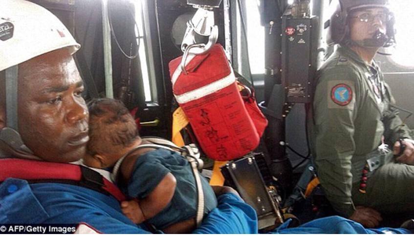Ajaib, Pesawat Jatuh, Bayi ini Selamat Tak Lecet Sedikitpun