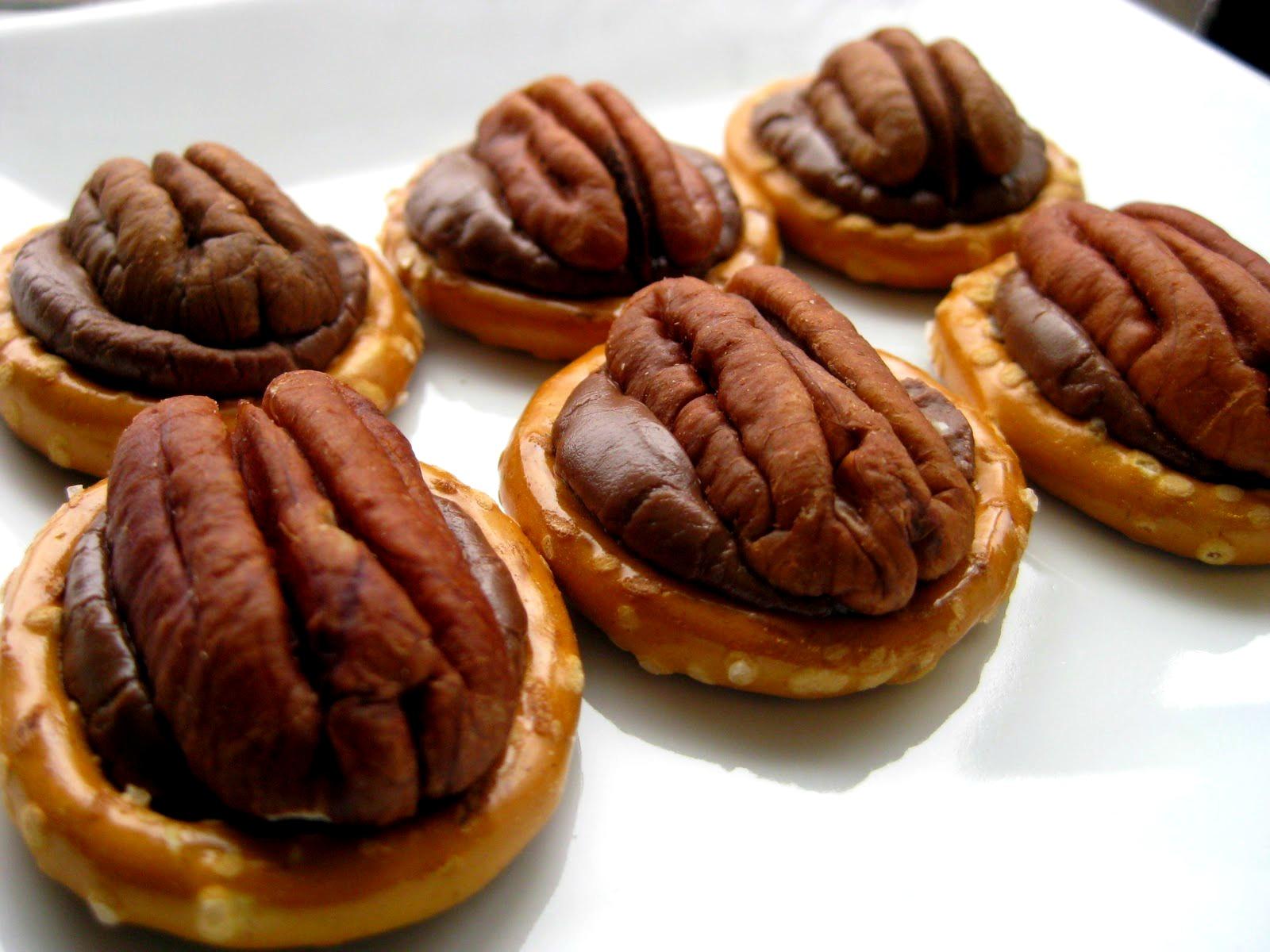 rolo s mores skillet monkey bread pretzels rolo pretzels with pretzel ...